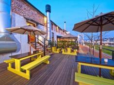 turbine-hotel-outdoor-area
