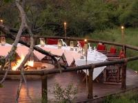 tuningi-outdoor-dinner