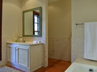 AM Milner - Luxury Suite - Bathroom
