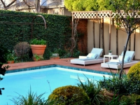 AM Milner - Swimming Pool & Terrace - 4