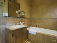 Castello di Monte Classic Room Bathroom