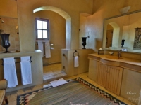Castello di Monte Presidential Suite Bathroom