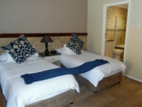 Ibhayi Guest Lodge Bedroom Twin