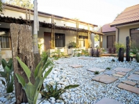 Ibhayi Guest Lodge Exterior 2