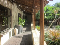 Ibhayi Guest Lodge Exterior 3