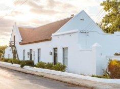 klein-nektar-manor-cape-dutch-accommodation-1