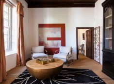 klein-nektar-manor-entrance-lounge-1