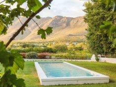 klein-nektar-manor-private-swimming-pool-1