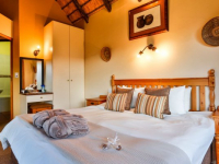 Montusi Mountain Lodge Garden Suite Bedroom
