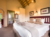 Montusi Mountain Lodge Garden Suite Double Bedroom