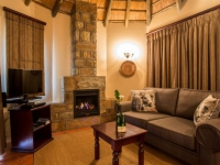 Montusi Mountain Lodge Garden Suite Lounge