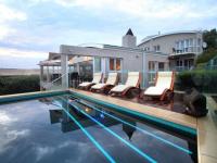 Perriwinkle Lodge & Pool