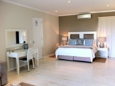 Robberg Beach Resort Luxury Suite Bedroom 2