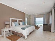 Robberg Beach Resort View Suite Bedroom