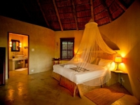 Sibuya Bush Lodge Chalet 1