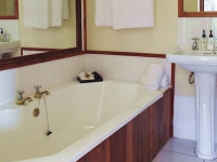 Agulhas Country Lodge Classic Room Bathroom