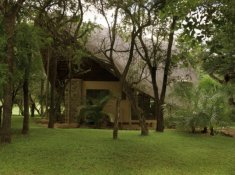 Amakhosi-Safari-Lodge-River-Suite-4