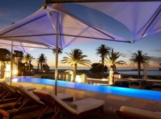 The-Bay-Hotel-Sandy-B-Pte-Beach-Club-pool-and-sea-view