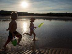 Youth-Day-kids-playing-Poortjies