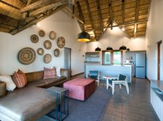Bucklers-Africa-Lodge-by-BON-Hotels-2-Bedroom-Family-Room-Lounge