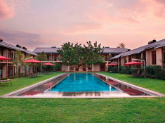 casterbridge-hollow-hotel-central-swimming-pool