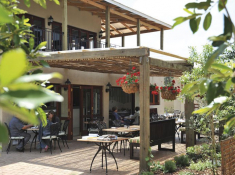 casterbridge-hollow-hotel_food-and-wine-restaurant-outdoor-area