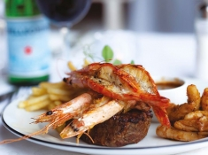 casterbridge-hollow-hotel_food-and-wine-prawn-cusine