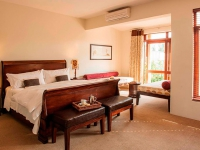 spacious-family-suite-at-casterbridge-hollow-hotel