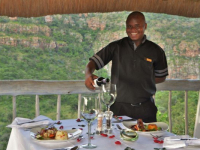 Clifftop Safari Hideaway Dining 2