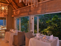 Clifftop Safari Hideaway Dining 3