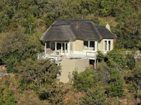 clifftop-safari-lodge-accommodation-unit-exterior