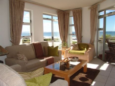 Diaz 15 Apartment Lounge