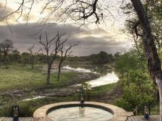 djuma-game-reserve-vuyatela-lodge-plunge-pool
