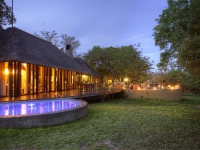 djuma-vuyatela-lodge