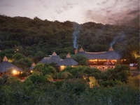 safari-lodge-at-night