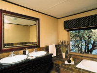 Kingfisher Lodge Bathroom