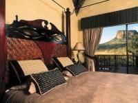Kingfisher Lodge Honeymoon Suite Bedroom View