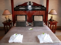 Kingfisher Lodge Honeymoon Suite Bedroom