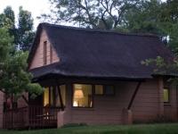 Lakeside Lodge Accommodation Exterior