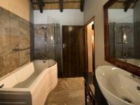 Ravineside Lodge Bathroom