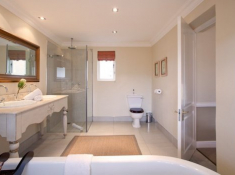 Franschhoek-Country-House-Bathroom-2