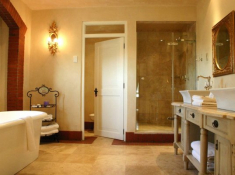 Franschhoek-Country-House-Bathroom