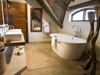 Gondwana Bush Villa Bathroom