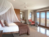 Gondwana Bush Villa Bedroom