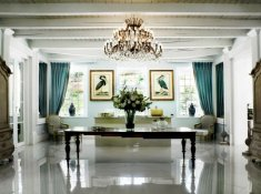 Grand-Dedale-Dining-Room