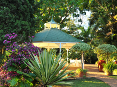 highgrove-house-garden-gazebo