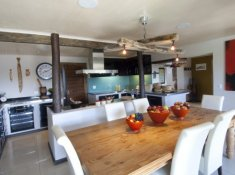 Hog-Hollow-Villa-Kitchen