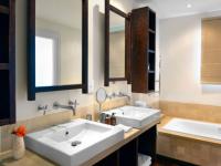 Holden Manz Orchard Suite Bathroom