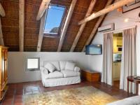 Holden Manz River Suite Interior