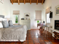 Holden Manz Stoney Brook Suite Bedroom